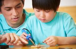 夏休みの自由研究に「電気設計」はいかが?電気回路図を親子で楽しもう!